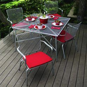Color Spruces up Outdoor Living Areas