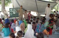 250x187-images-stories-pakistan-swat_refugees-3.jpg