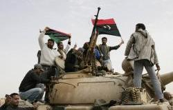 10562_mar_4_revolutionaries_on_tank-nasser_nouri.jpg