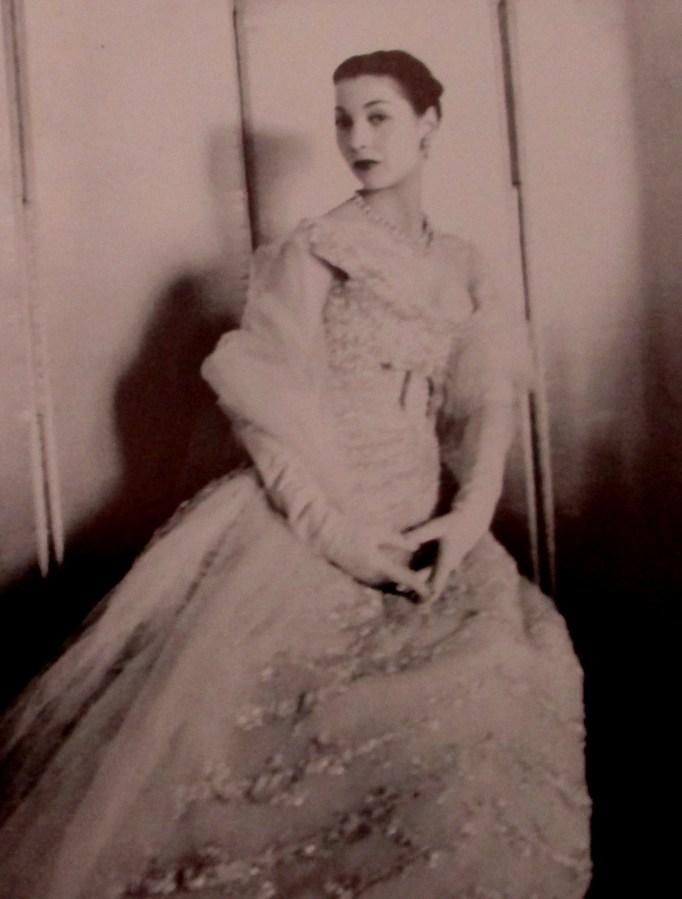 Cecil Beaton   Rene   Dior model (1955)