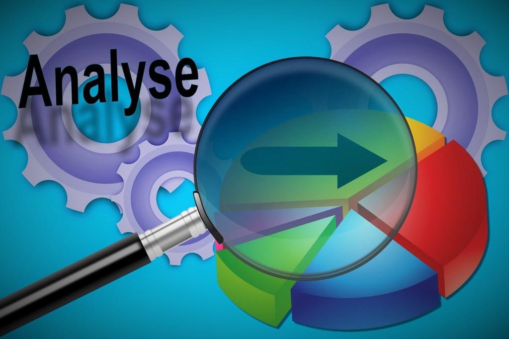 analys av marknadsföring, målgrupper och benchmark