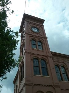 Algiers Courthouse, Algiers Point, New Orleans, Louisiana, August 2019. This building, which first attracted my attention because of the clock (because I'm always looking for clocks as The Pragmatic Historian), is also in the Richardsonian Romanesque style.
