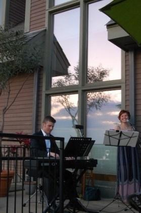 singing duo at Tower Hill Botanic Garden