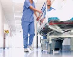 doctors_pushing_gurney