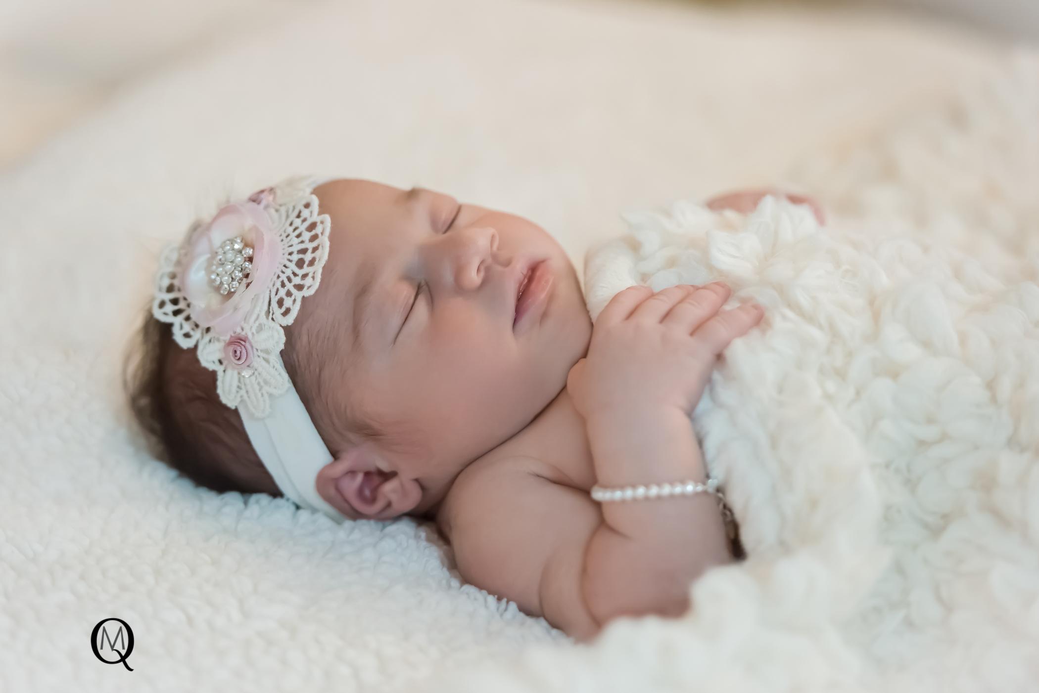 Newborn Photographer in Medford NJ
