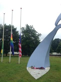 Minnemarkering for ofrene for skytingen i Orlando i Haag