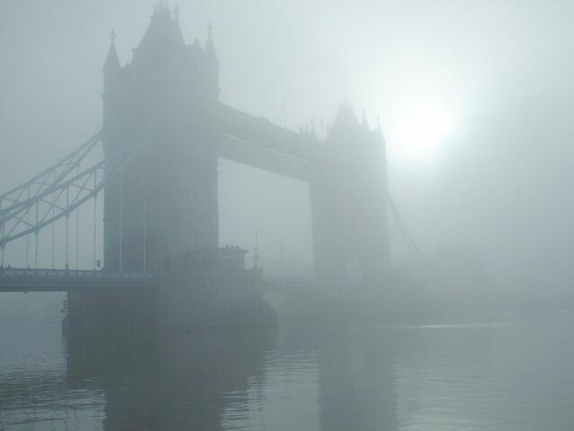 foggylondon_towerbridge_23dec2007_6