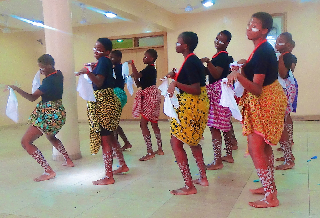 the-cultural-group-perform-for-world-labour-day_17569653866_o