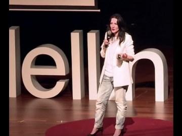 El valor del fracaso es una experiencia… | Claudia Restrepo | TEDxMedellin