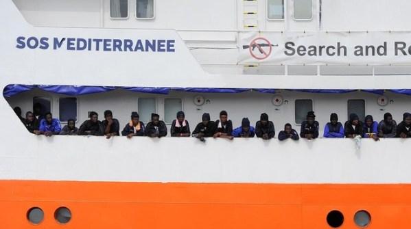 espana-acogera-los-629-inmigrantes-del-buque-aquarius-rechazados-por-malta-italia-1528732977984