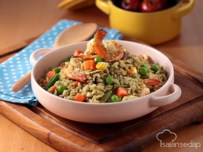 Cara membuat nasi goreng hijau sehat