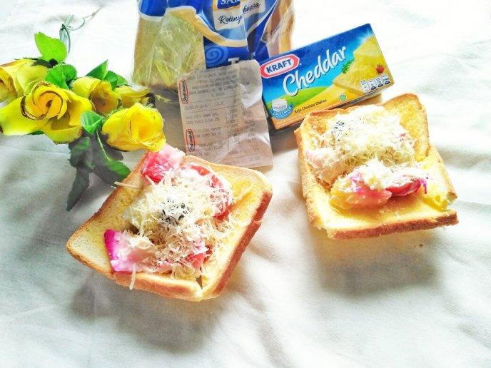 1. Resep roti salad buah keju