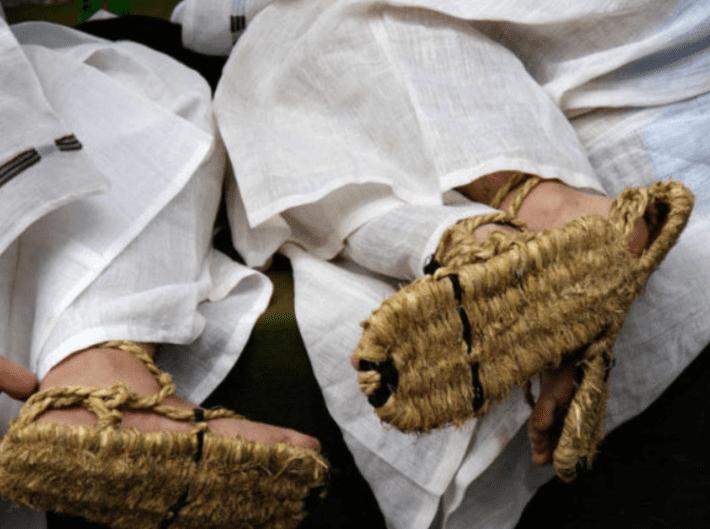 Традиционная обувь