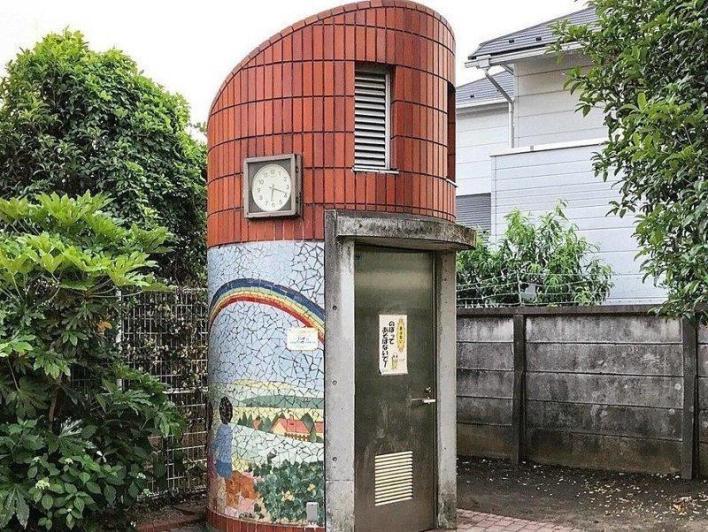Общественные туалеты в Японии