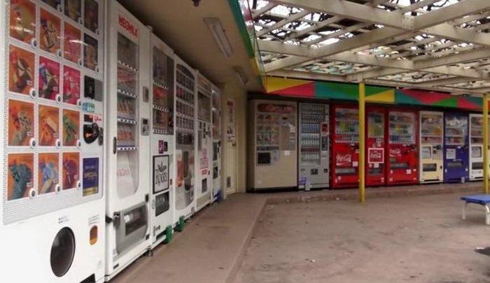 10 самых причудливых торговых автоматов в Японии