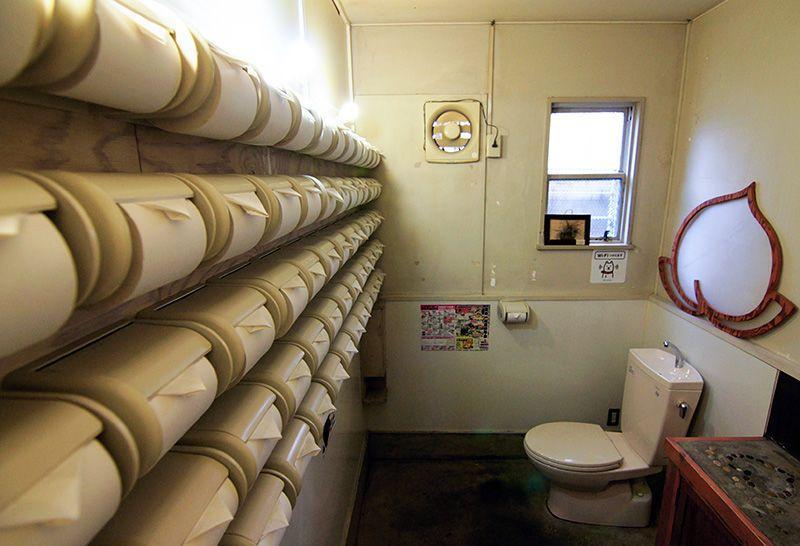 Начальник полиции Сайтамы арестован за кражу 5 рулонов туалетной бумаги