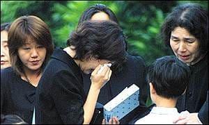 Пандемия оказывает влияние на рост самоубийства у японских детей.