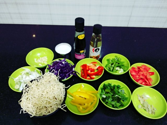 stir-fry-noodles-ingredients