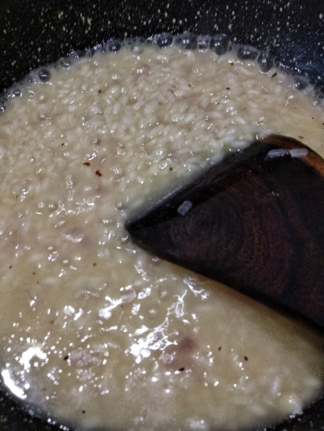 Cook_the_Arborio_rice_with_vegetable_stock