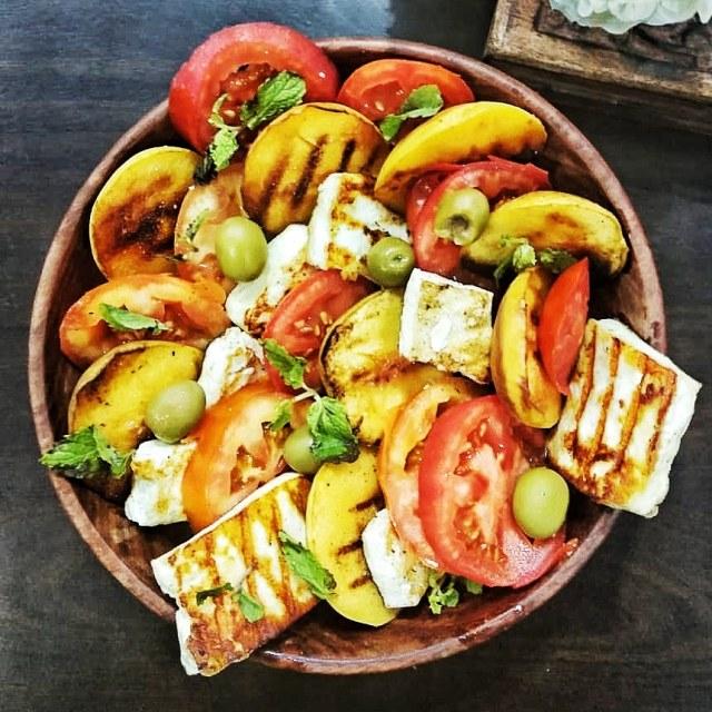 Peach-Tomato-Caprese-Salad