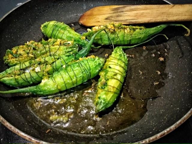 Cook_the_karelas_on_a_non-stick_pan