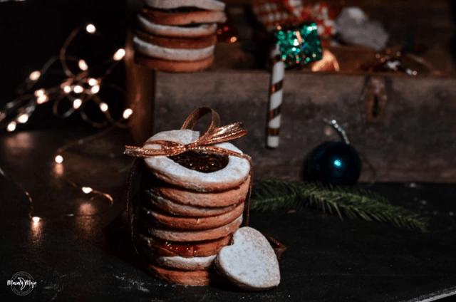 Eggless Linzer Cookies