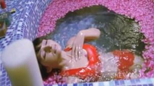 Mallika - Bikini Scenes - Sheena Nayyar - Sammir Dattani - Mamik - YouTube(2)[(003949)21-22-58]