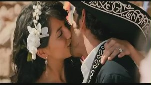 Hrithik Roshan Barbara Mori Hot Kiss -Kites -[(000394)19-38-50]