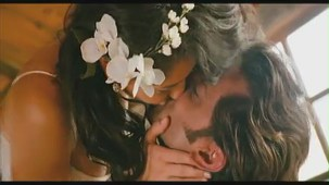 Hrithik Roshan Barbara Mori Hot Kiss -Kites -[(000583)19-39-25]