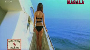 Kareena in a sexy black swimsuit_003