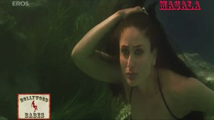 Kareena in a sexy black swimsuit_009