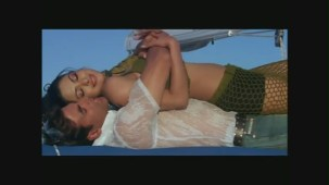 PriyankaChopra_Andaaz_029