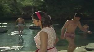 Mera Naam Joker - Drama Scene - Rishi Kapoor - Simi Garewal - Raju Secretly Eyes Mary - YouTube(6)[(001212)21-20-37]