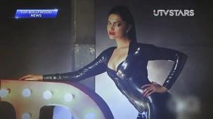 Sexiest Deepika Padukone exposes her curves!! - UTVSTARS HD - YouTube[(000723)19-51-19]