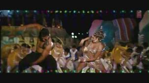 Dreamum Wakeupum Official Video Song _ Aiyyaa Movie _ Rani Mukherjee, Prithviraj Sukumaran - YouTube[(000516)19-32-40]