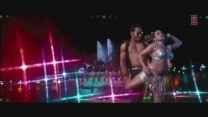 Dreamum Wakeupum Official Video Song _ Aiyyaa Movie _ Rani Mukherjee, Prithviraj Sukumaran - YouTube[(000956)19-33-41]