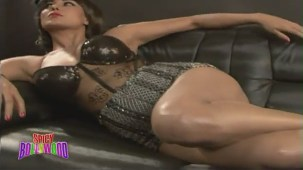 Sexiest Photoshoot Of Veena Malik!!! - YouTube(2)[(000638)20-10-46]