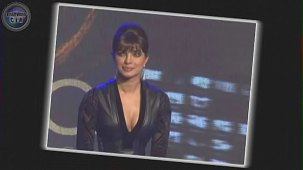 SHOCKING_ Priyanka Chopra shows CLEAVAGE - YouTube[(000799)19-21-02]