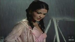 Bheegi Bheegi Raaton Mein - Sexy Bollywood Song - Rajesh Khanna - Ajanabee - YouTube(5)[(002101)20-18-57]
