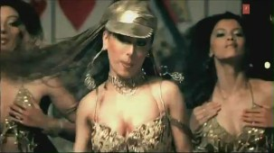 Hot 'n' Sizzling Sanobar - Kaan Mein Jhumka Remix - Full Video Song HD - YouTube(2)[(000930)20-35-57]