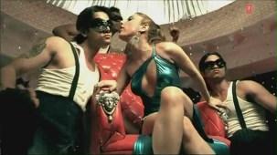 Hot 'n' Sizzling Sanobar - Kaan Mein Jhumka Remix - Full Video Song HD - YouTube(2)[(003958)20-51-47]
