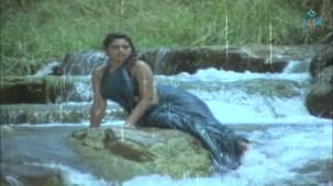 Na Oohala (Paaripoyina Kaidilu) - Silk Smitha - YouTube[21-14-14]