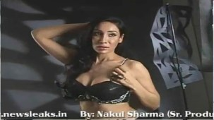 SOFIYA HAYAT HOT PHOTOSHOOT BY LUV ISRANI - YouTube[(002521)20-09-07]