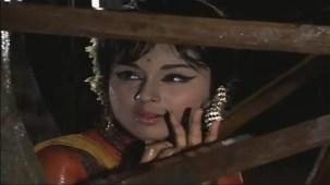 Haay Re Haay - Humjoli - Jeetendra, Leena Chandavarkar - Bollywood Superhit Rain Song - YouTube[(000307)19-51-38]