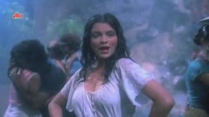Zeenat Aman, Bandhan Kachchey Dhagon Ka Song - YouTube(4)[20-21-29]