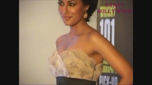 Chitrangada Singh DARK Beauty Cleavage EXPOSED! - YouTube[20-30-48]