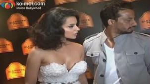 Kangana Ranaut on Ramp - Blenders Pride Fashion Tour 2012 Day 1 - YouTube(4)[20-52-16]