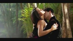 Kaate Nahin Kat Te Din Ye Raat Remix _ Feat. Hot 'n' Sizzling Bhojpuri Bombshell Babe Monalisa - YouTube[20-38-40]