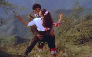 Lip kiss Nagarjuna & Amala[19-40-09]