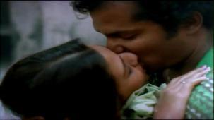 Bariwali - Chiranjeet, Kiron Kher, Rupa Ganguly - Bengali Drama Movie - YouTube(14)[(000783)13-52-33]